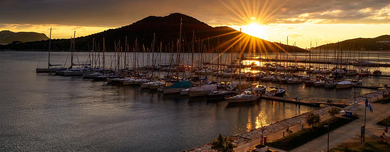Blu Yachting Photo 3